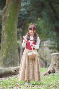 long-skirt-girl_01